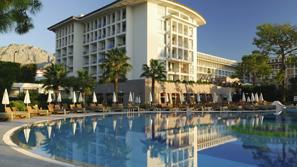 hotelResort